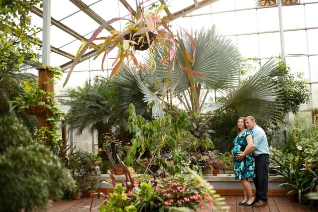 brigitte-jonathan-maternity-norfolk-botanical-gardens-38