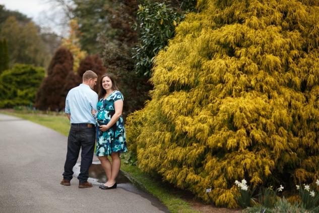 brigitte-jonathan-maternity-norfolk-botanical-gardens-78