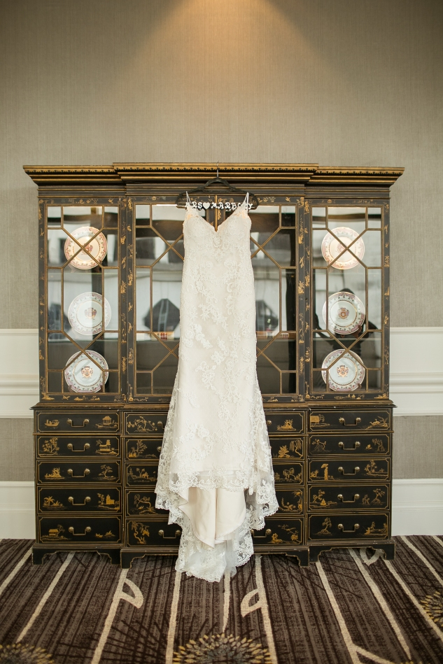 classic-black-white-harrison-opera-house-wedding-norfolk-4