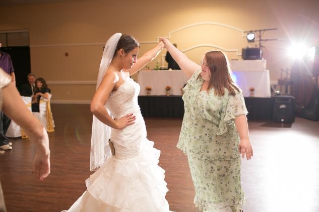 virginia-fall-firefighter-wedding-photo-100