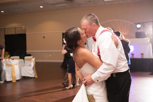 virginia-fall-firefighter-wedding-photo-109