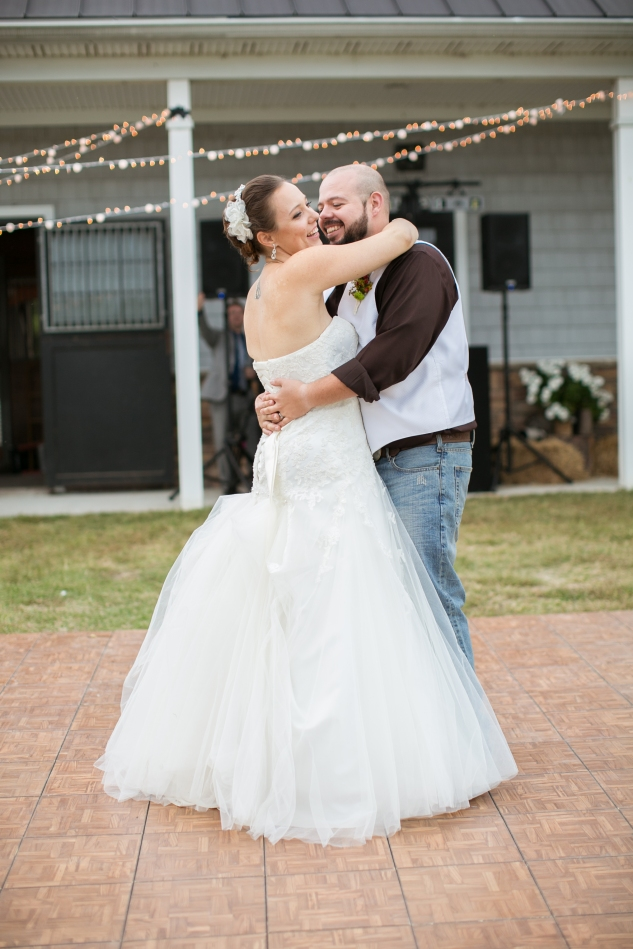 virginia-southern-fall-farm-wedding-photo-117