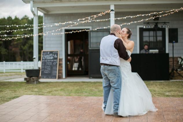 virginia-southern-fall-farm-wedding-photo-121