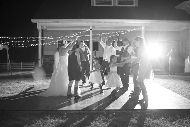 virginia-southern-fall-farm-wedding-photo-134
