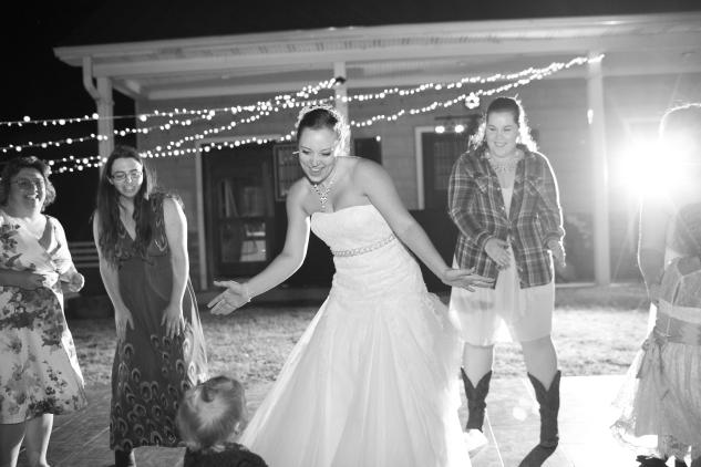 virginia-southern-fall-farm-wedding-photo-137