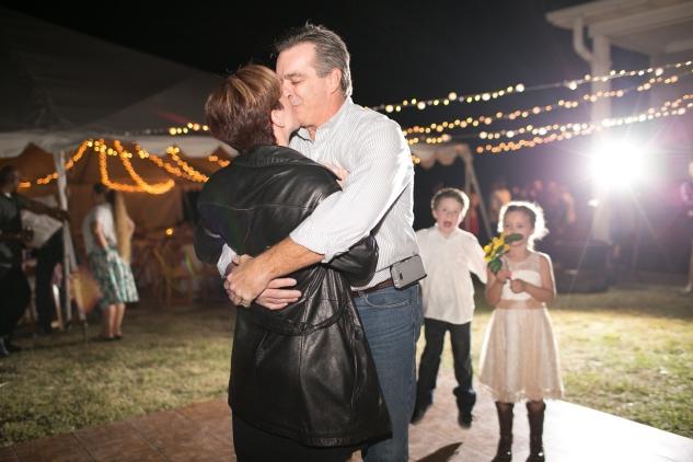 virginia-southern-fall-farm-wedding-photo-141