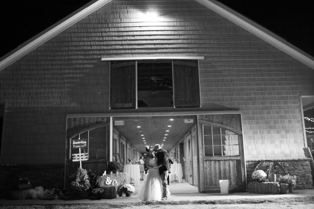 virginia-southern-fall-farm-wedding-photo-143