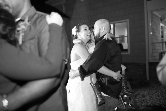 virginia-southern-fall-farm-wedding-photo-144