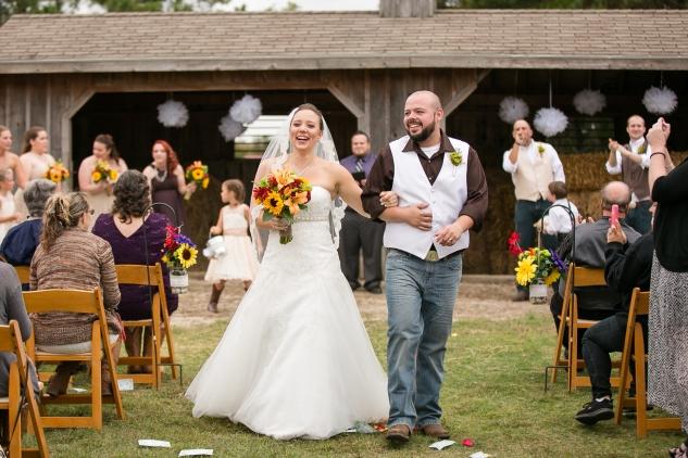 virginia-southern-fall-farm-wedding-photo-63