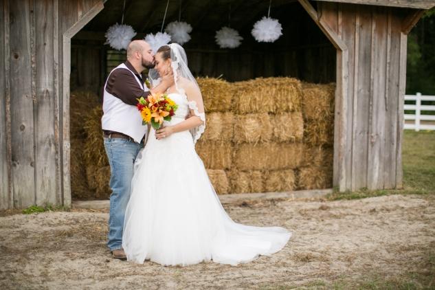 virginia-southern-fall-farm-wedding-photo-93