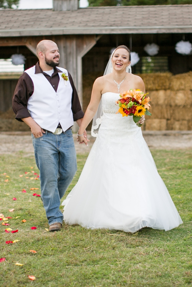 virginia-southern-fall-farm-wedding-photo-98
