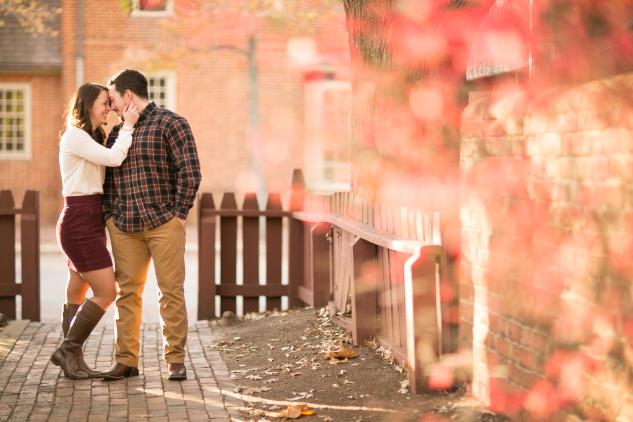 williamburg-holiday-engagement-photo-13