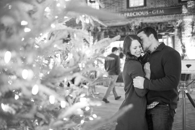 williamburg-holiday-engagement-photo-50