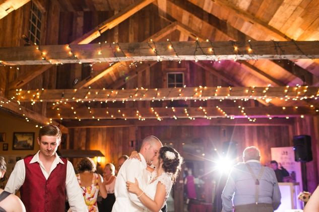 winery-bull-run-wedding-red-grey-photo-184