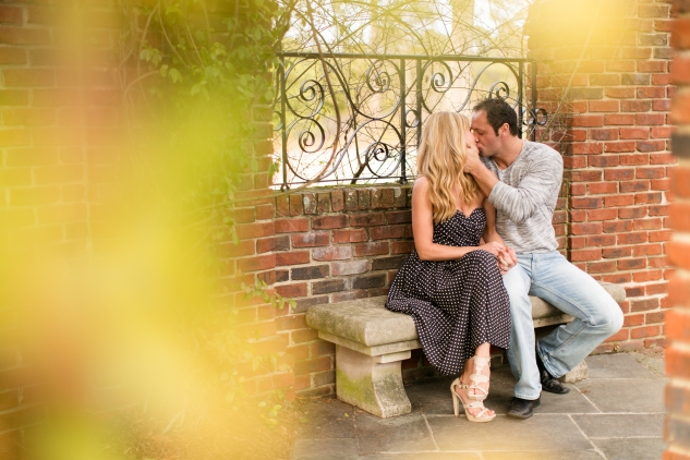hermitage-museum-gardens-engagement-photo-60