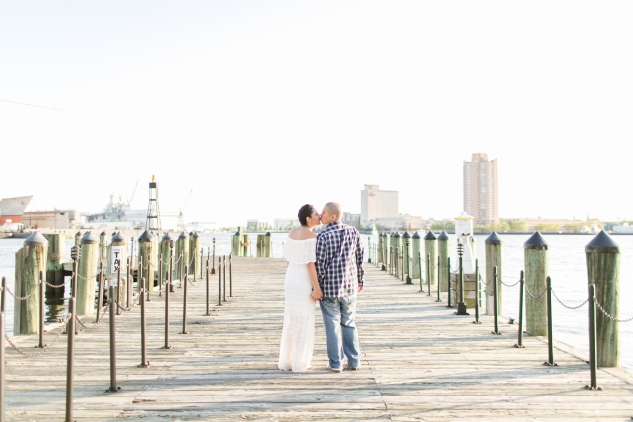 norfolk-engagement-photo-waterside-amanda-hedgepeth-20