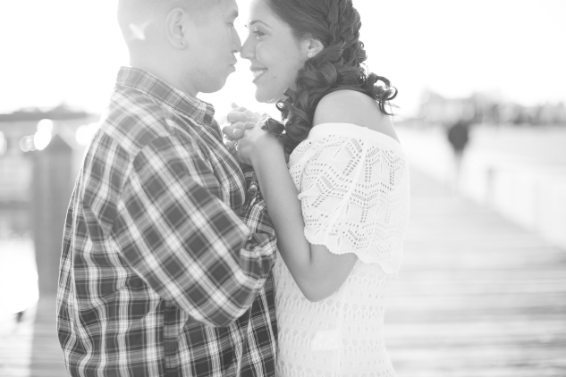 norfolk-engagement-photo-waterside-amanda-hedgepeth-28