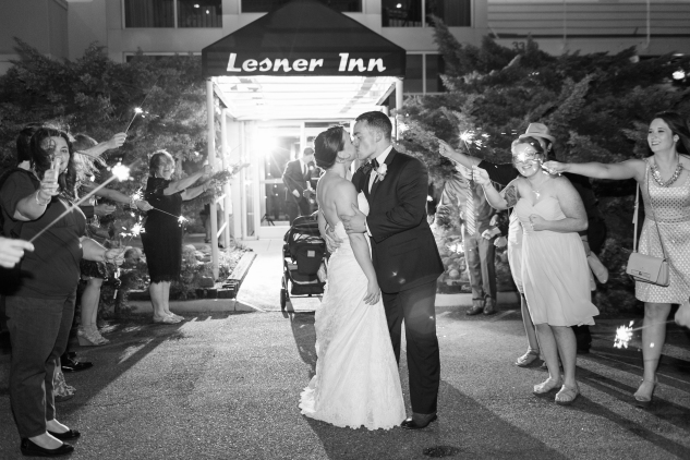 blue-coastal-virginia-beach-lesner-inn-wedding-photo-124