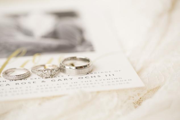 blue-coastal-virginia-beach-lesner-inn-wedding-photo-17