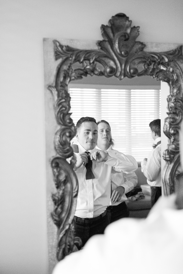 blue-coastal-virginia-beach-lesner-inn-wedding-photo-20