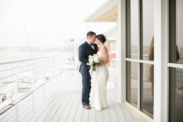 blue-coastal-virginia-beach-lesner-inn-wedding-photo-34