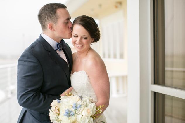 blue-coastal-virginia-beach-lesner-inn-wedding-photo-35