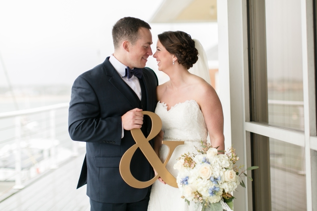 blue-coastal-virginia-beach-lesner-inn-wedding-photo-37