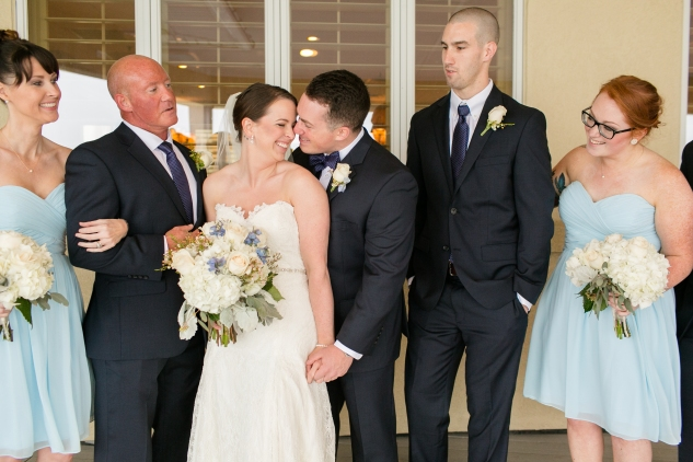 blue-coastal-virginia-beach-lesner-inn-wedding-photo-43