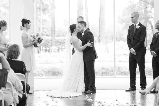 blue-coastal-virginia-beach-lesner-inn-wedding-photo-63