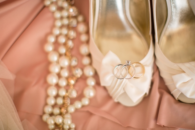 blush-neutral-lesner-inn-wedding-virginia-beach-wedding-photographer-photo-8