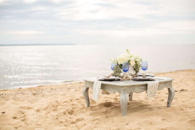 north-carolina-outer-banks-nags-head-blue-coastal-wedding-shoot-23