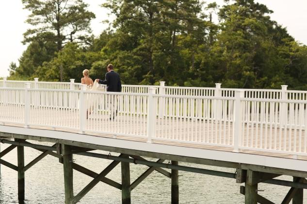 coral-aqua-teal-oyster-farm-eastern-shore-wedding-photo-amanda-hedgepeth-1