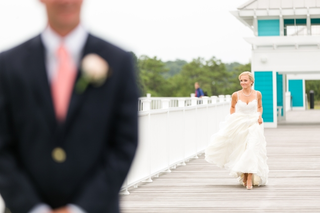 coral-aqua-teal-oyster-farm-eastern-shore-wedding-photo-amanda-hedgepeth-26