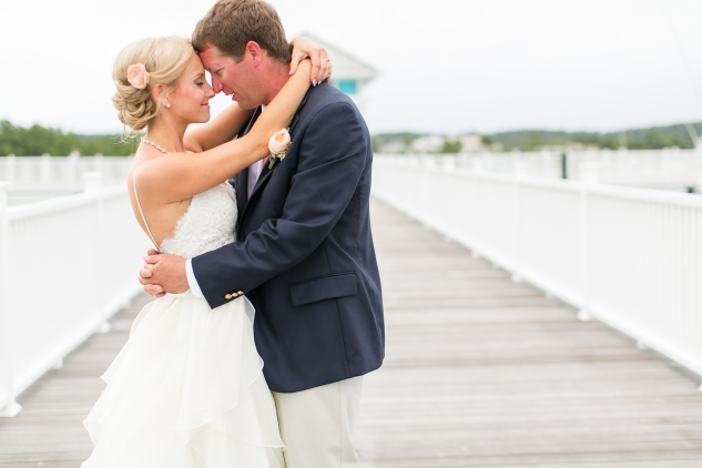 coral-aqua-teal-oyster-farm-eastern-shore-wedding-photo-amanda-hedgepeth-29