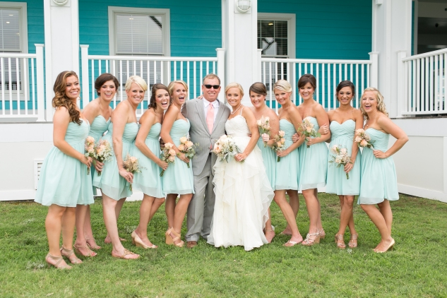 coral-aqua-teal-oyster-farm-eastern-shore-wedding-photo-amanda-hedgepeth-41