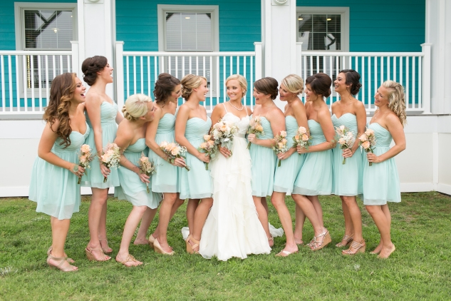 coral-aqua-teal-oyster-farm-eastern-shore-wedding-photo-amanda-hedgepeth-42