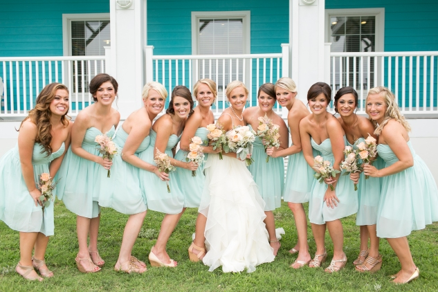 coral-aqua-teal-oyster-farm-eastern-shore-wedding-photo-amanda-hedgepeth-43