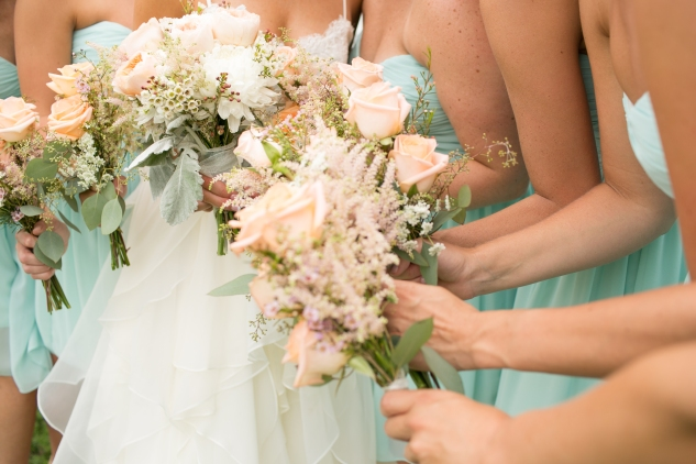 coral-aqua-teal-oyster-farm-eastern-shore-wedding-photo-amanda-hedgepeth-44