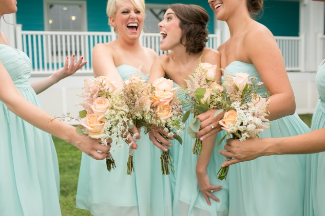 coral-aqua-teal-oyster-farm-eastern-shore-wedding-photo-amanda-hedgepeth-45