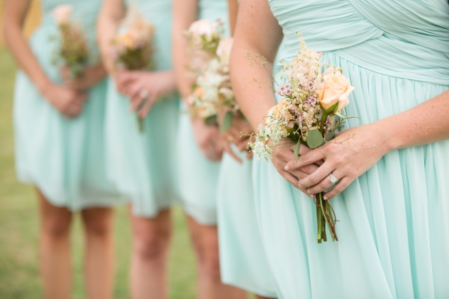 coral-aqua-teal-oyster-farm-eastern-shore-wedding-photo-amanda-hedgepeth-47