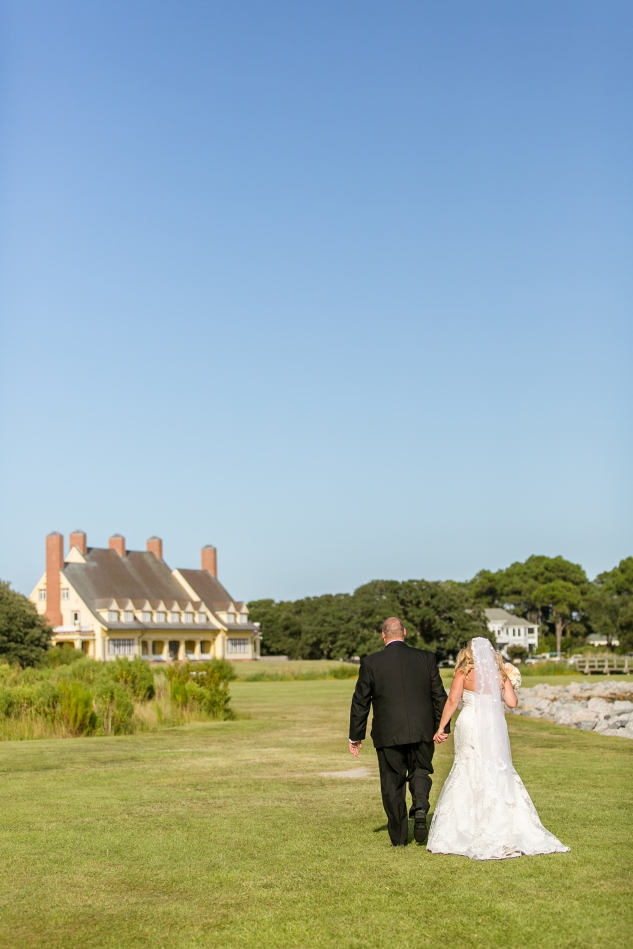 outer-banks-obx-wedding-jewel-toned-whalehead-black-stallion-amanda-hedgepeth-photo-52