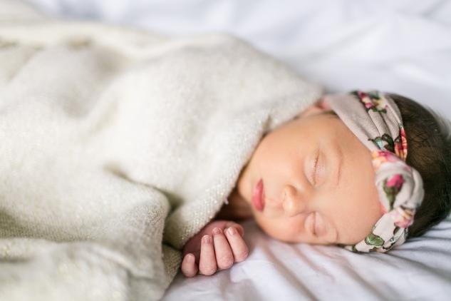 autumn-sweater-heels-newborn-1