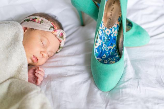 autumn-sweater-heels-newborn-6