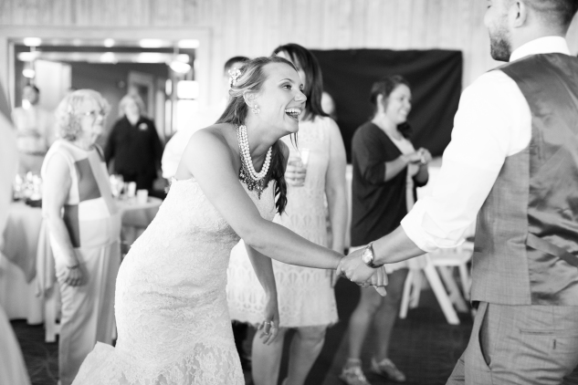 jennettes-pier-nags-head-obx-outer-banks-wedding-photo-amanda-hedgepeth-140