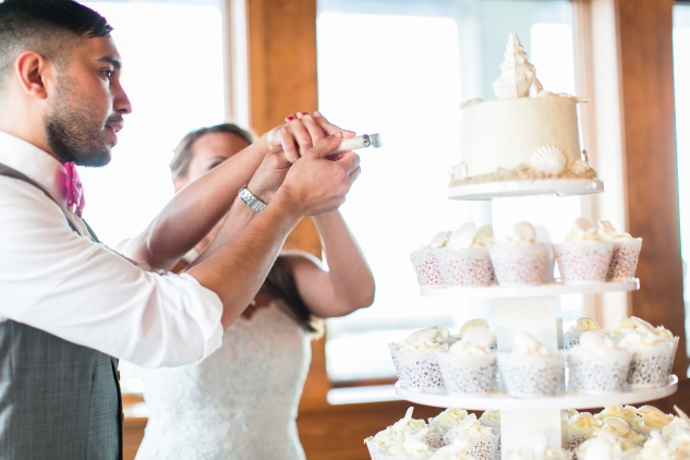 jennettes-pier-nags-head-obx-outer-banks-wedding-photo-amanda-hedgepeth-162
