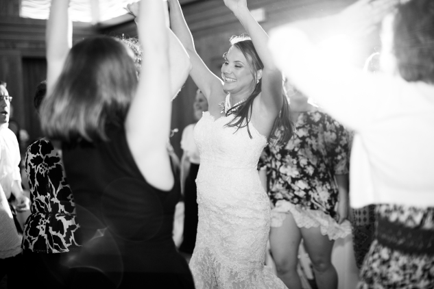 jennettes-pier-nags-head-obx-outer-banks-wedding-photo-amanda-hedgepeth-173