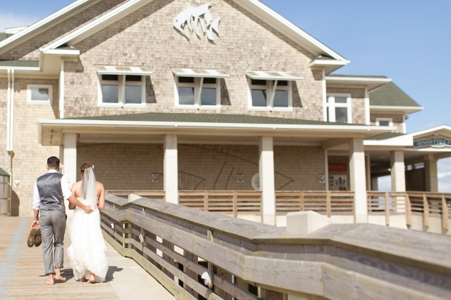 jennettes-pier-nags-head-obx-outer-banks-wedding-photo-amanda-hedgepeth-98