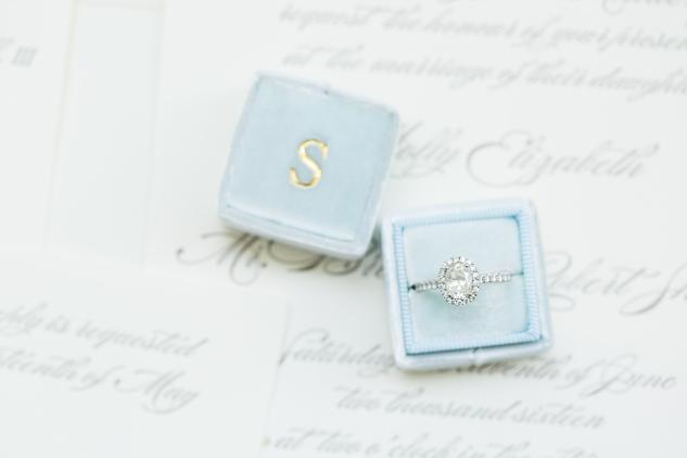 inn-at-warner-hall-classic-pale-blue-wedding-photo-amanda-hedgepeth-10