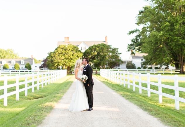 inn-at-warner-hall-classic-pale-blue-wedding-photo-amanda-hedgepeth-108