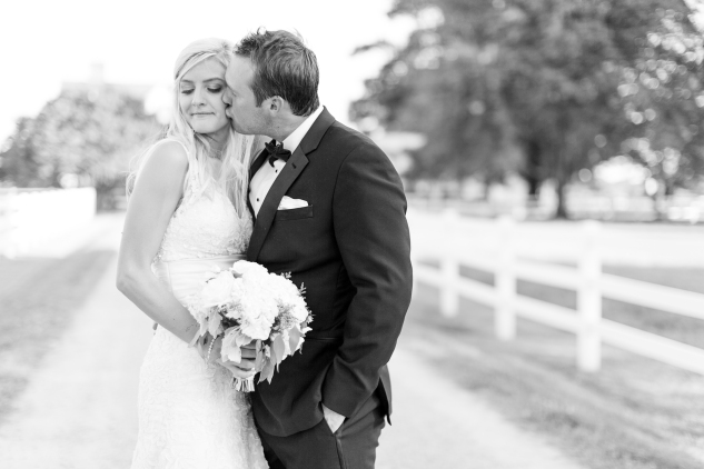 inn-at-warner-hall-classic-pale-blue-wedding-photo-amanda-hedgepeth-109